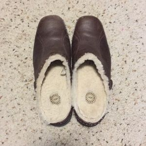 Slip on leather shoes by UGG.